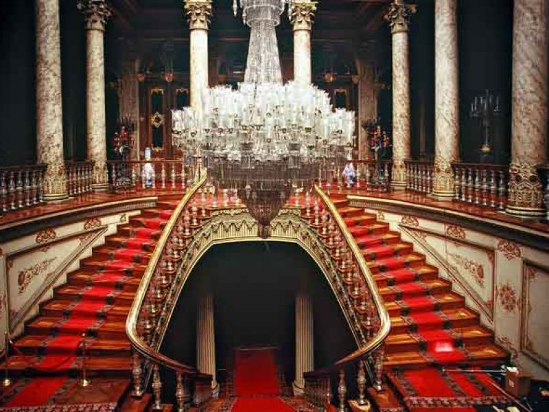 dolmabahce topkapi palace istanbul tour